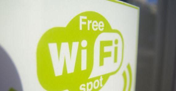 La oferta de WiFi en un negocio o local cada vez es más demandada por los clientes. Te ensañamos cómo utilizarlo para evitar que se queden durante horas.