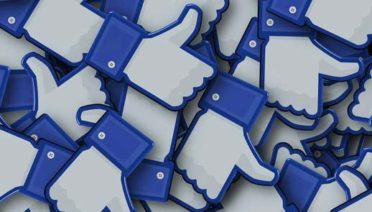 Es la gran red social en la que prácticamente cualquier internauta está presente. Por ello